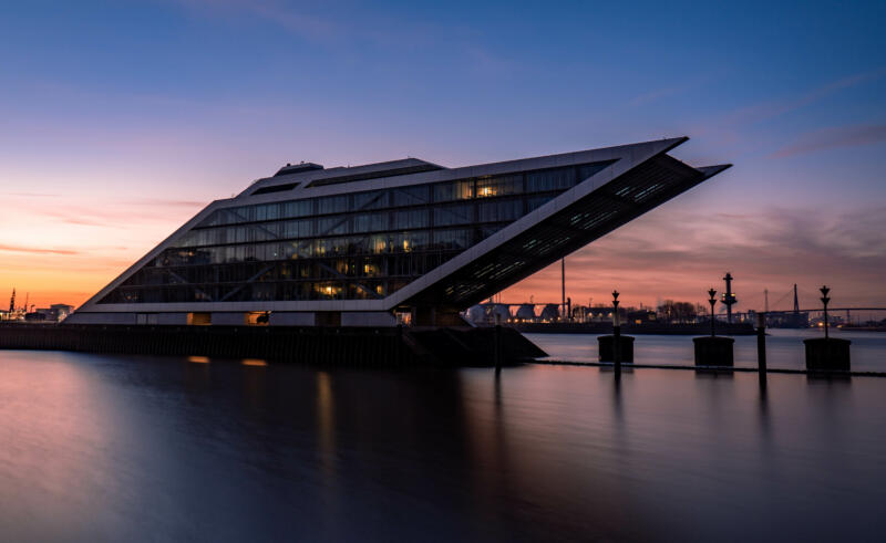 Jan Düerkop: building surrounded by water just before sunrise